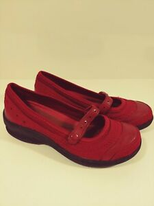 Bare Trap Burgundy Leather slip-ons size 11M in Very Good Condition Shoes