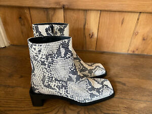 Zara Grey Snakeskin Animal Print Leather Low Heel Ankle Boots UK 7 EU 40--BNWOB
