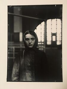 LEWIS HINE ART PHOTO PORTRAIT Young Russian Jewess,Ellis Island,NY 1905 IMP/GEH