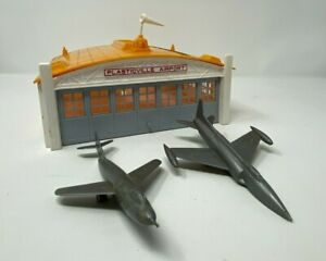 1950s Plasticville AP1 Airport Hangar Kit w Orig Box by Bachmann Brothers
