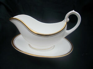 Coalport CONNOISSEUR Gravy Boat and Stand.