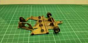 Vintage bronze chassis 1/32 scalextric old and hard
