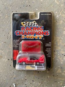 Racing Champions Mint 1970 Plymouth Superbird DIE CAST
