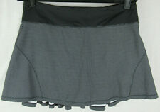 Lululemon Circuit Breaker Skirt Teeny Check Print White Black Size 8 Tall EUC