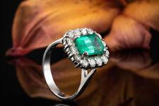 Schmuck Smaragd Ring Emerald Cut Klassisch mit Diamanten rundum in Weißgold 750