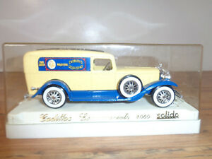 SOLIDO # 4060 CADBURY'S CADILLAC COMMERCIALE TWO TONE DELIVERY TRUCK