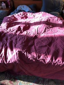 Hotel Luxury Linen Collection  Full/Queen maroon duvet with shams