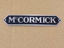 Mc Cormick Schild / Haubenemblem aus Aluminium für IHC Traktor / Schlepper (41