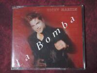 RICKY MARTIN - LA BOMBA (3 TRACKS). CD SINGLE.