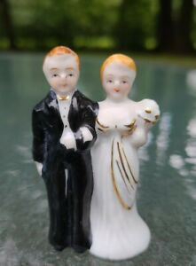 "VINTAGE 1940's CERAMIC WEDDING CAKE TOPPER BRIDE & GROOM Made in Japan 2.5"" Tall"