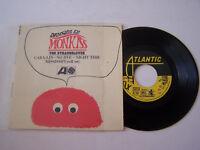 EP 4 TITRES VINYLE 45 T , THE STRANGELOVES , CARA - LIN . VG / VG +. RARE .
