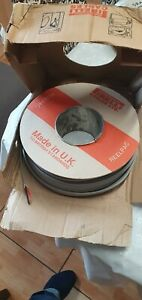 2.5mm Twin And Earth(PIRELLI old Colours Red And Black 100m  12.3kg)
