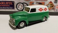 S K Lectrolite Tools 1950 CHEVROLET GM Panel Van Truck Green White ERTL 1:43
