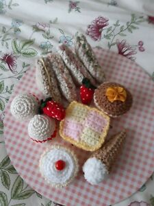 10 X HAND CROCHETED AFTERNOON TEA LIFE SIZE CAKES + 2 STRAWBERRIES FAKE FOOD (Y)