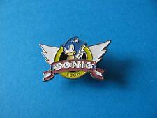 VINTAGE locale SONIC THE HEDGEHOG pin badge con le ali. locale. EOLE in buonissima condizione