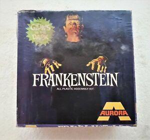 """AURORA """"GLOWS IN THE DARK"""" Frankenstein Model Kit (1969)"""