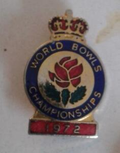Bowling Badges  T to End  Free postage in the UK only