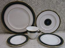"1990 Royal Doulton China ""Biltmore"" 1 Set 5 Pieces Place Setting Made In England"