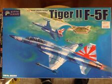 KHS - 1/32 KITTY HAWK MODEL KIT #32019 TIGER II F-5F