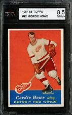1957-58 TOPPS~#42~GORDIE HOWE~HALL OF FAME~DETROIT RED WINGS~KSA 8.5 NM-MT+