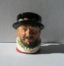 D6251 Royal Doulton character jug Beefeater (GR Handle)