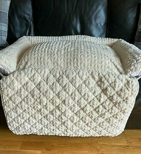 Cozee Home Roll Up Front Sofa Pet Bed BNWOT Immaculate Cream Dog or Cat