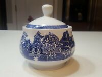 """Royal Cuthbertson Blue Willow Sugar Bowl With Lid 3"""" tall x 4"""" wide"""