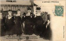 CPA Le Bretagne Pittoresque-Danse des pots de fleurs dans le Finistére (188637)