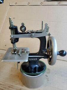 "RARE PRE-1920 SINGER Sewing Machine K-20,CAST IRON,Mini 6.5""H"