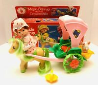 Strawberry Shortcake Maple Stirrup & The Oatsmobile Complete Playset Doll & Box