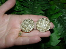 Vintage Lucite - GLITTER CONFETTI clip EARRINGS - gold with white threads