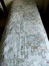 Superbe et ancienne couverture en boutis et patchwork fait main 240 cm x 140 cm
