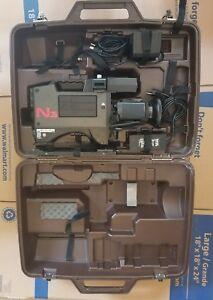 Panasonic WV-555 WV-555B Professional Video Camera & Carrying Case