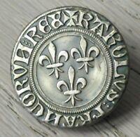 BOUTON ANCIEN BOUTON DE LIVREE Citation fleur de lys,croix de Bretagne