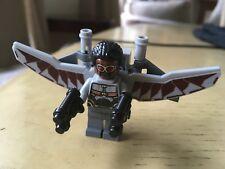 LEGO Minifigura Falcon Vendicatori con Red Redwing Drone