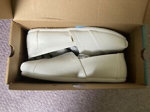 Toms Womens Size 5