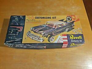 1996 REVELL Model CHRYSLER NEW YORKER CUSTOMIZING KIT Kit #H-1231