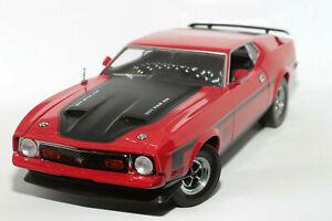 1:18 Ford Mustang Mach 1 (1971–1973)   rot   SunStar   Modellauto Musclecar
