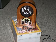 THE BEATLES AM/FM RADIO W/LIGHTED DIAL AC OPERATED