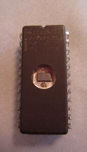 Vintage Intel 1978 D2732A-2 U106042M PGM 21V 24-Pin Ic Processor Chip