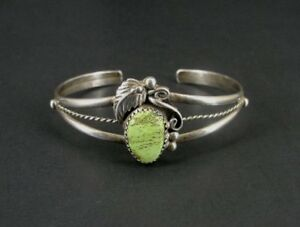 Green Turquoise Stone Feather Motiff Sterling 925 Silver Cuff Bracelet