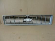 73 74 75 Chevy Pickup Truck Blazer Square Body Center Front Grille GM Grill