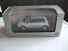 Minichamps in 1:43   VW  Cross Golf