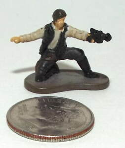Very Small Micro Machine Plastic Star Wars Figure of Han Solo Kneeling w/ Weapon