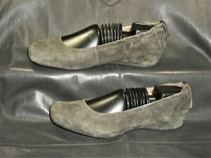 Earthies women's dark gray elastic trim suede closed toe flat pump shoes size 8D