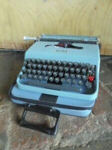 OLIVETTI LETTERA 22 MACCHINA DA SCRIVERE + CUSTODIA marcello nizzoli  typewriter