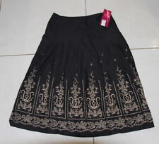 NWT Womens size 8 black full skirt with emboridery made by IDEALS Collection