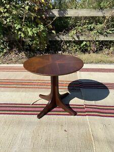 A Vintage Kroehler Mid Century Modern Small Round Walnut Side Table 1960's