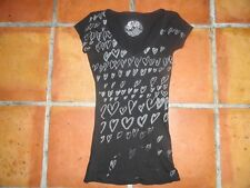 STRANDED VINTAGE BLACK AND SILVER HEART GRAPHIC V NECK TEE NWOT SIZE XS