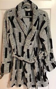 PINK VICTORIA'S SECRET plush bathrobe gray/black logo M/L medium/large EXC COND!